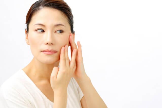 頬のたるみの解消と改善対策