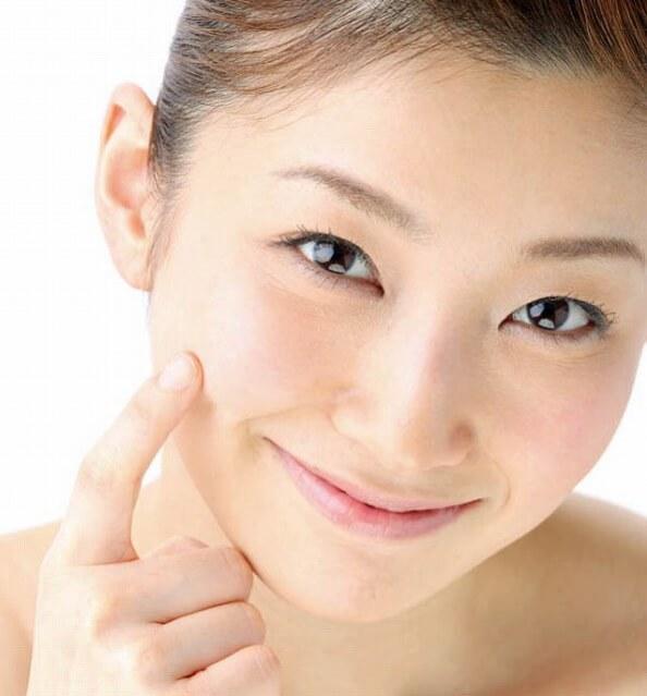 毛穴を引き締める方法と化粧品