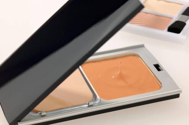 紫外線予防のファンデーションと美白化粧品