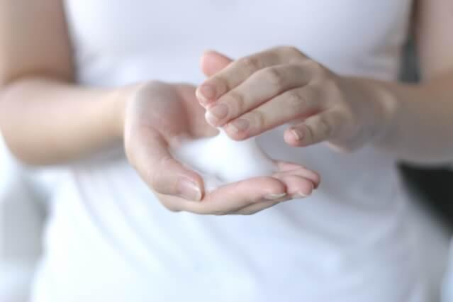 乾燥肌対策 摩擦
