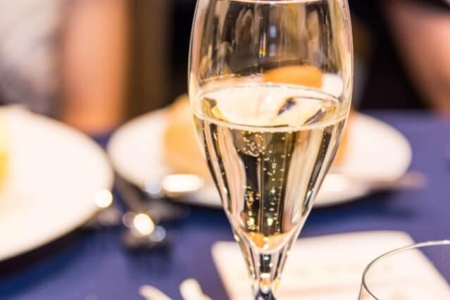 スパークリングワイン シャンパン 組み合わせ