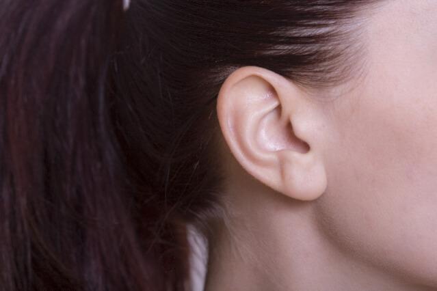 ベビーオイル 耳掃除