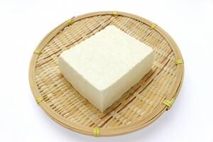 美白 食べ物 豆腐