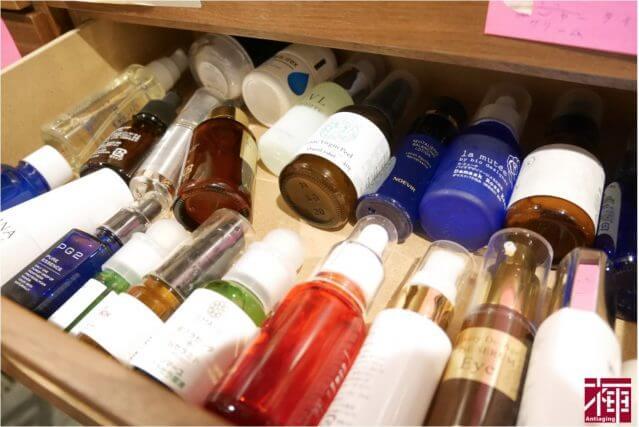 アイキャッチ 目の下のシミに効く化粧品